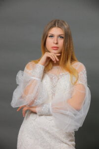 lace wedding dress with sleeves
